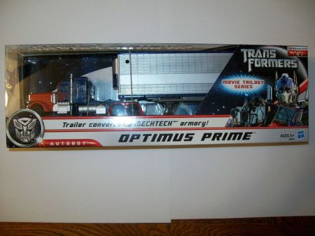 First Look Movie Trilogy Deluxe Optimus Prime with Trailer
