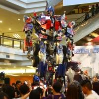 1U Transformers Dark Of The Moon Rollout Week